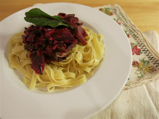 Nudeln mit Rote-Bete-Sauce