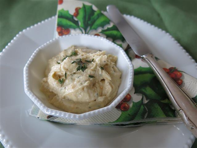 Weiße-Bohnen-Mandel-Paste mit Orange und Thymian