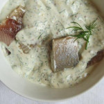 Heiligabendtraditionen und Hering in Senf-Dill-Sauce