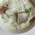 Heiligabendtraditionen und Hering in Senf-Dill-Sauce
