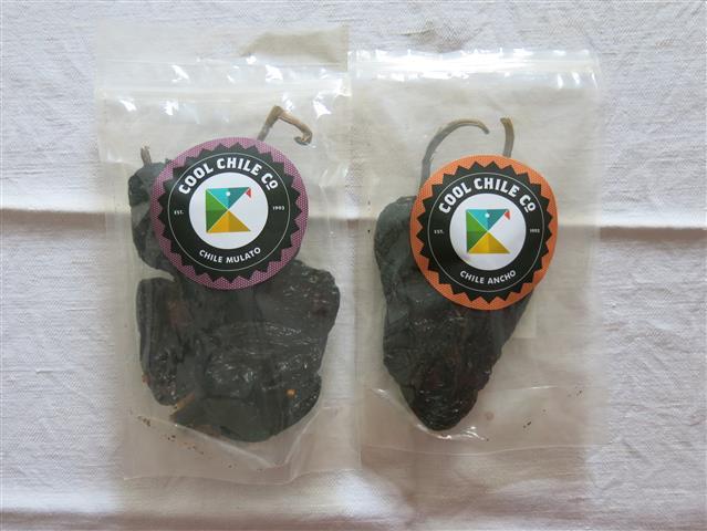 Getrocknete Mulato-Chili und Ancho-Chili