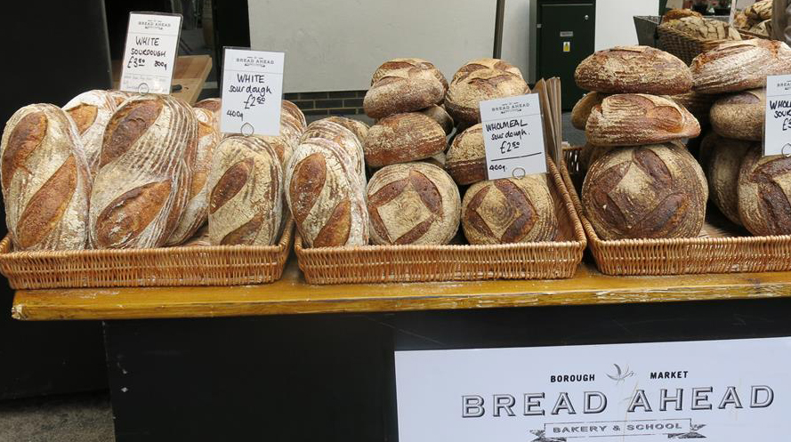 Brotstand auf dem Borough Market in London