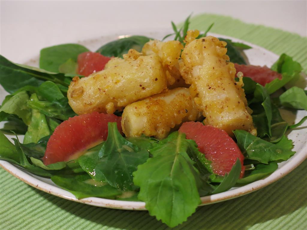 Ausgebackene Schwarzwurzeln mit Salat