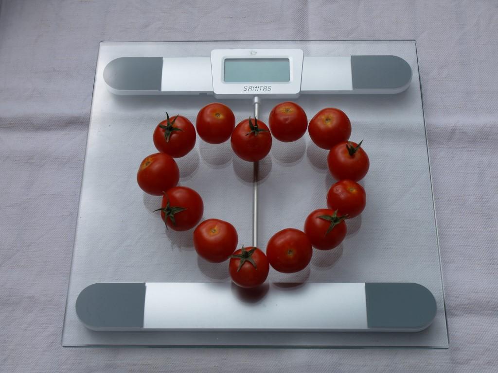Tomaten auf Waage