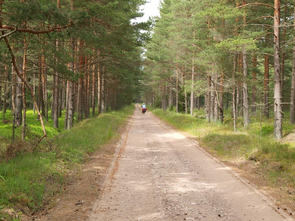 Radfahren auf Schotterpisten in Lettland