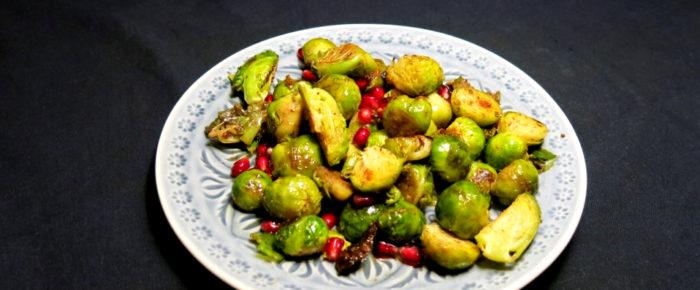 Nicht nur als Beilage: Gerösteter Rosenkohl mit Granatapfel