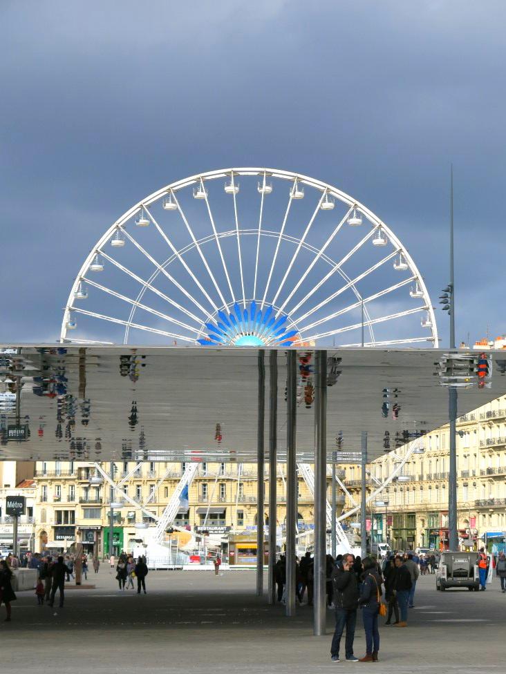 Marseille Riesenrad und Ombriere