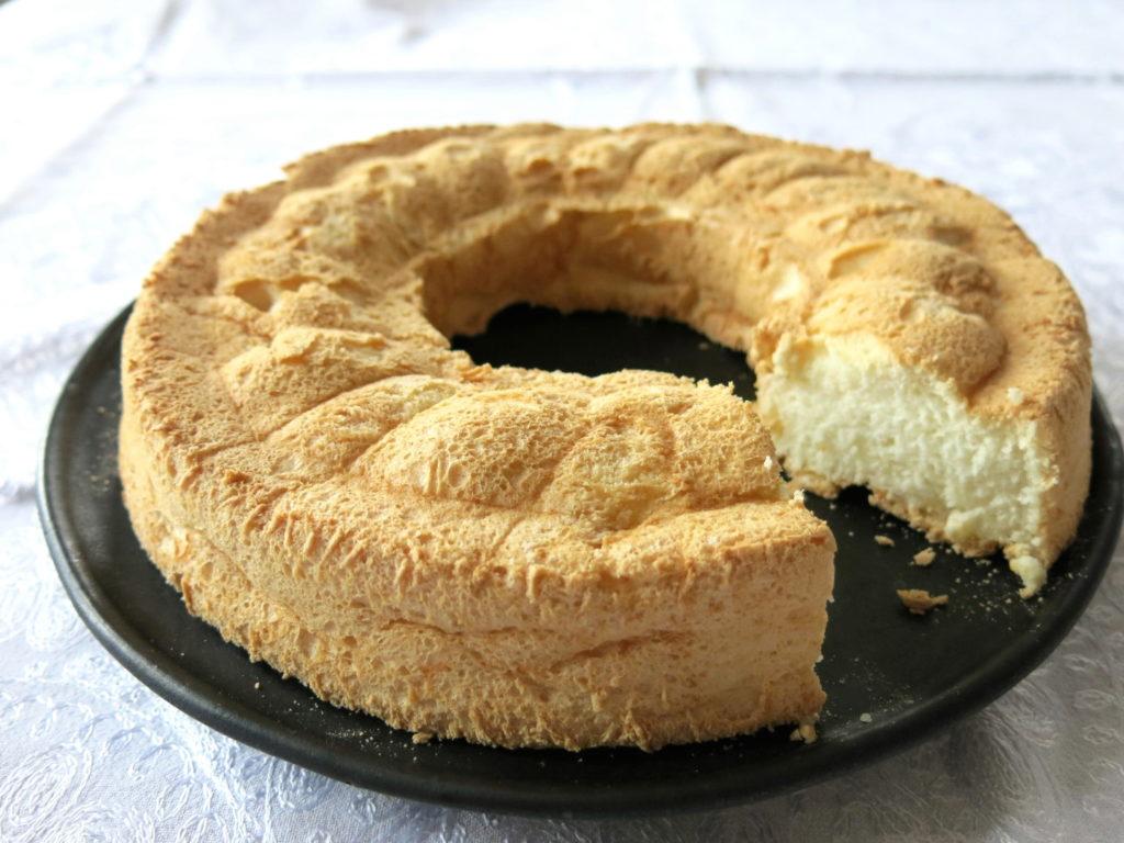Angel Food Cake im Ganzen