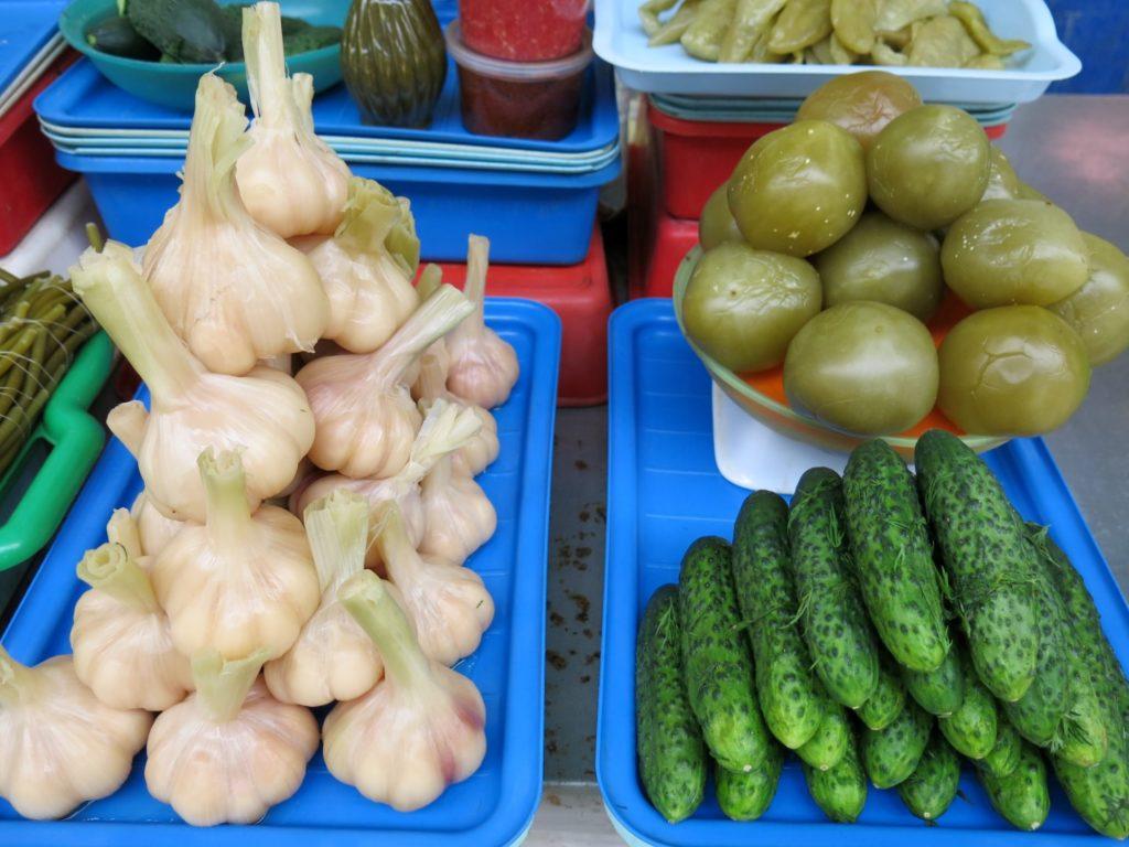 Sauergemüse auf dem Markt in St. Petersburg