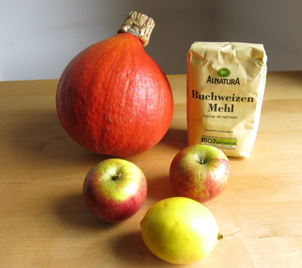 Kürbis, Buchweizenmehl, Äpfel, Zitrone