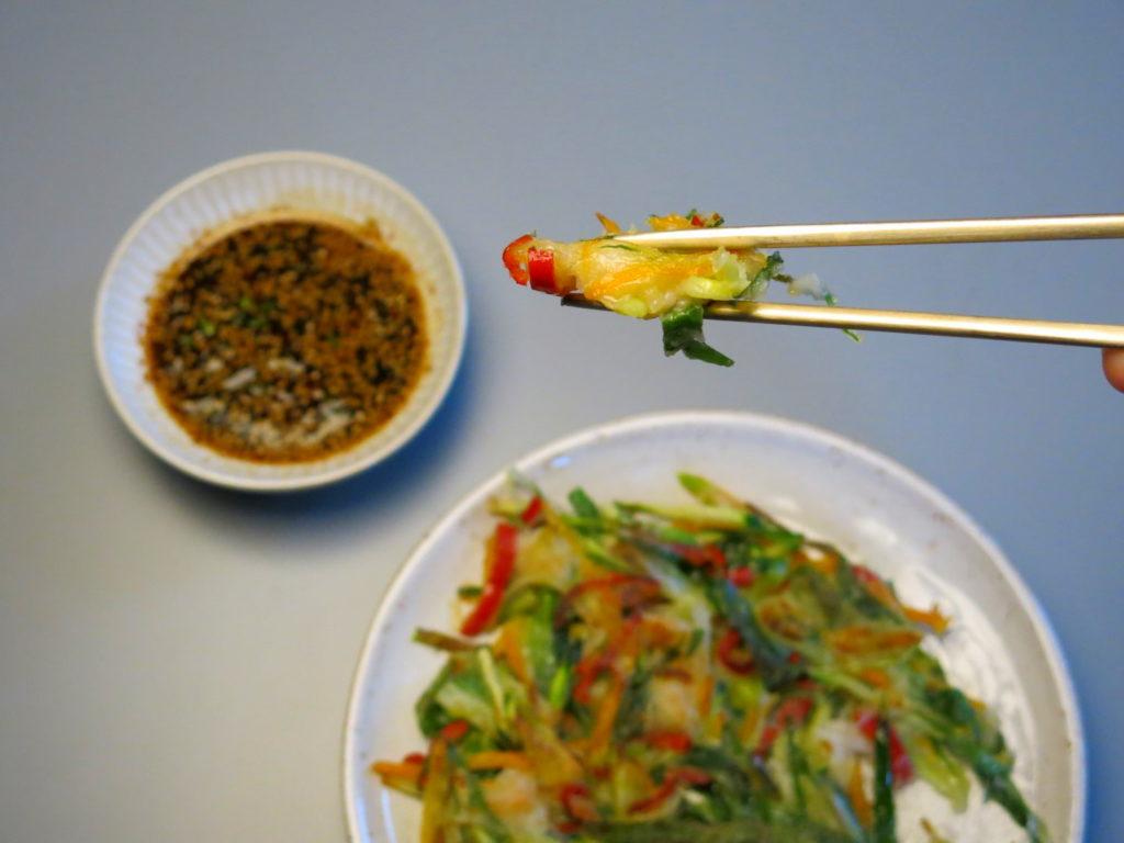 Koreanische Pfannkuchen mit Meeresfrüchten (Haemul Pajeon)