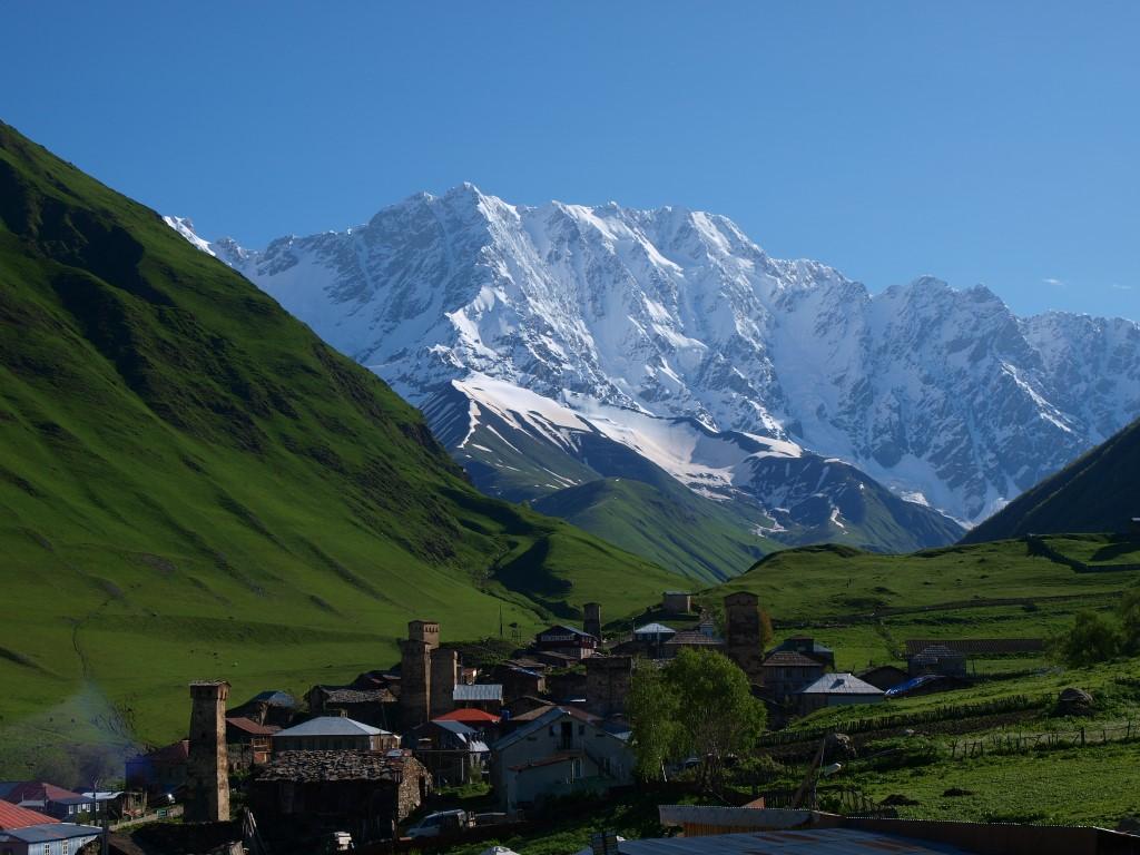 Blick über Uschguli in Georgien
